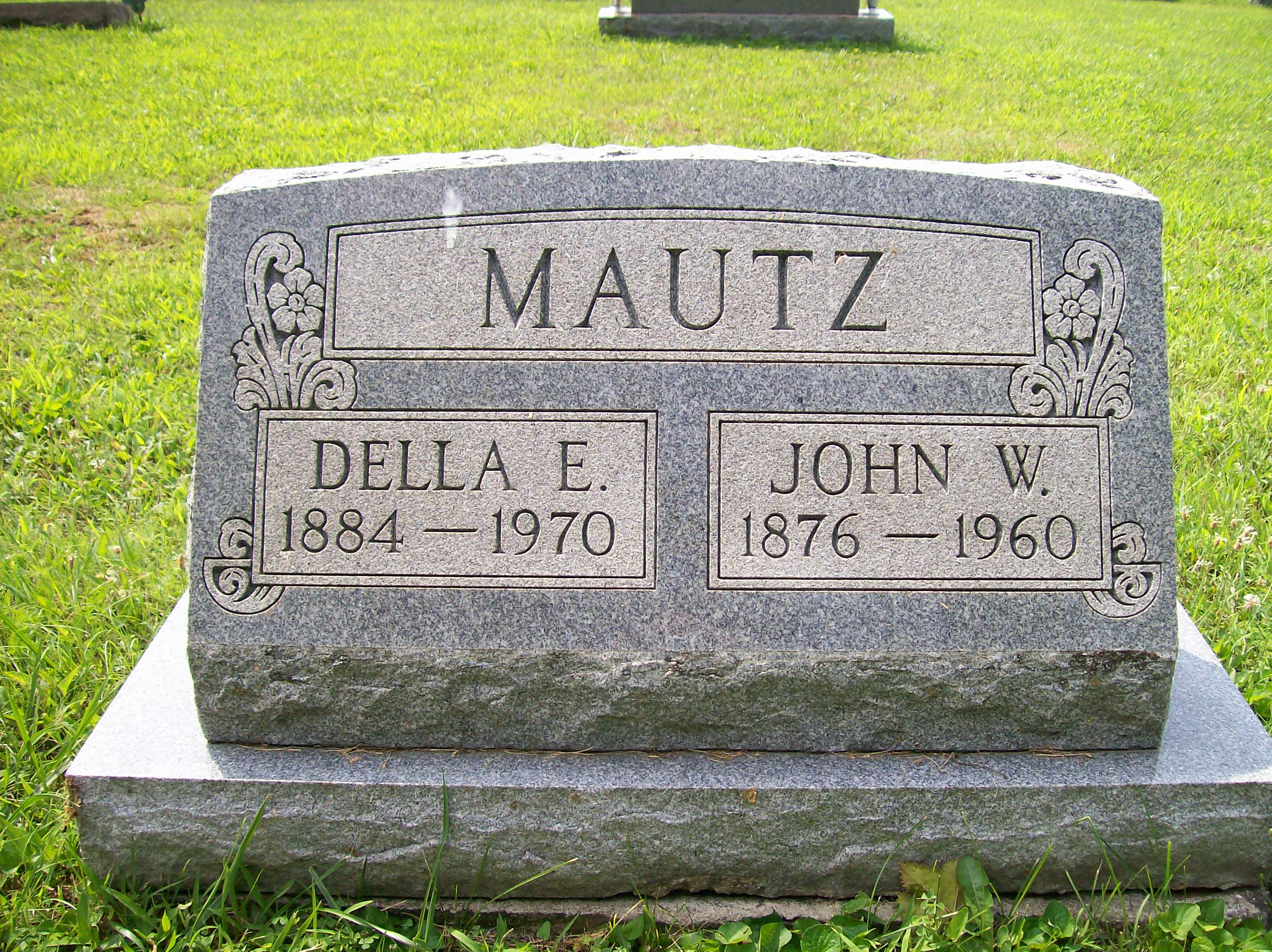 John W and Della E Dilts Mautz